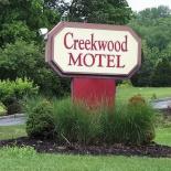 Creekwood motel sign